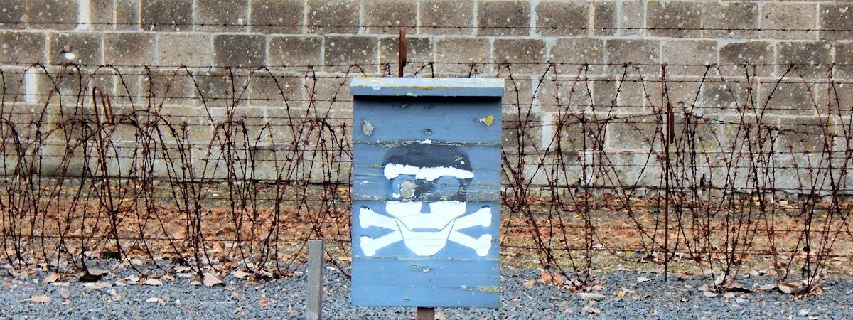 Todeszone: the death zone perimeter of Sachsenhausen Camp.
