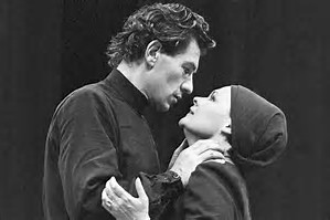 Ian McKellen as Macbeth and Judi Dench as Lady Macbeth