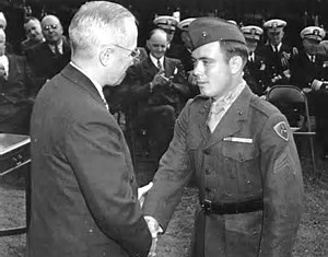 Williams receiving the Medal of Honor
